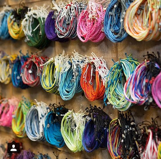 Pura Vida Handmade Bracelets Are Casual Cool And Provide Full Time Jobs To People Who Need Them I Love A Company That S Doing Good